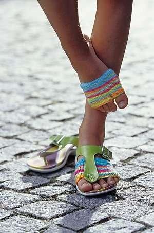 Handgestrickte Fuesslinge Socken mit Streifenmuster